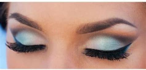 Eyeshadow Yang Cocok Untuk Baju Biru 6 warna eyeshadow yang bisa membuat makeup mata kamu semakin maksimal kawaii japan