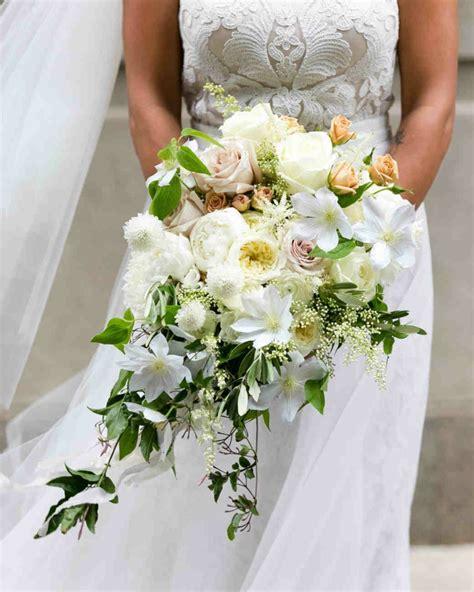 fiori bianchi per matrimonio fiori bianchi per matrimonio bouquet fiori bianchi altare