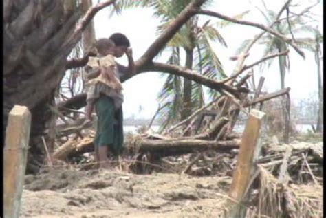kumpulan jurnal penanggulangan bencana lazuardi permana kasus bencana alam di garut menurun di 2015 republika online