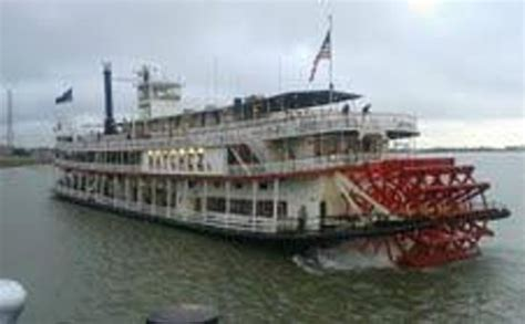 steamboat noise creole queen on the river picture of steamboat natchez