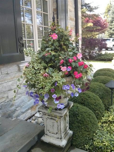 Summer Planter Ideas by Summer Planter Exquisite Urn And Planter Ideas