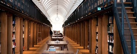 librerie cagliari libreria cagliari libreria la feltrinelli point cagliari