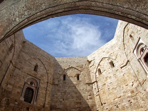castel monte interno castel monte inedite indagini scientifiche