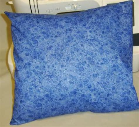 How To Make Pillows Without A Sewing Machine by How To Sew Your Own Pillow Covers In 5 Easy Steps Sewing