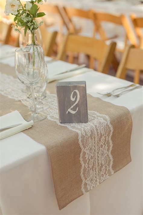 Burlap Table Runners For Wedding by 14 Fabulous Wedding Table Runners Weddingsonline