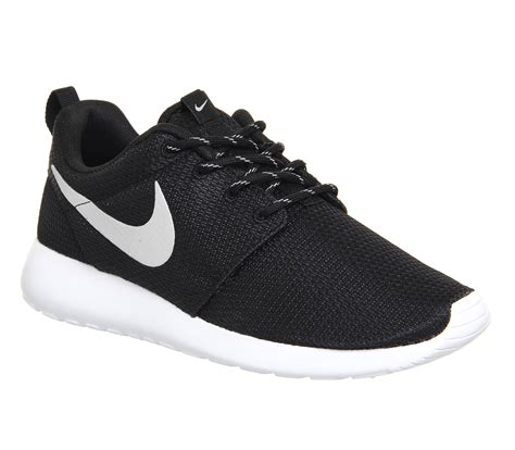 nike roshe run black metallic white unisex sports