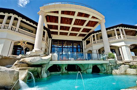 How Big Is 500 Sq Ft by Pretty Personal Mansion Water Blue House Pool Swimming