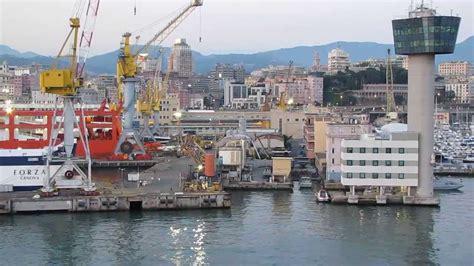porto di genova porto di genova la torre di controllo prima crollo