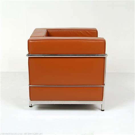 corbusier bench le corbusier lc2 lounge chair modernclassics com