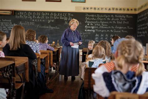 hands  history   pittsboro  room schoolhouse