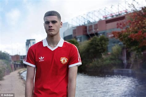 Mu Retro Wembly manchester united s 1985 fa cup success marked by adidas originals collection daily mail