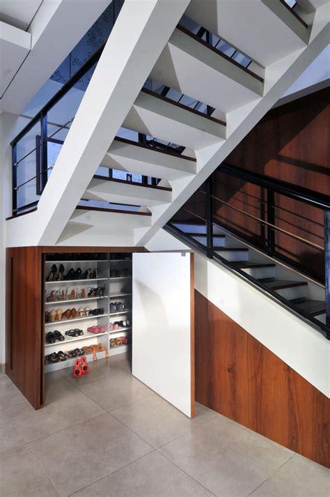 Rak Sepatu Plastik Unik desain lemari sepatu yang unik dan menarik rancah post