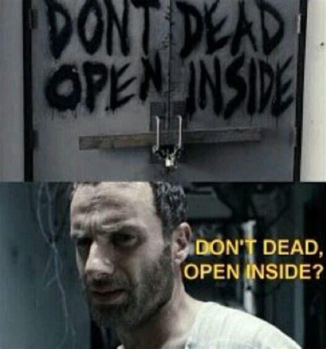 Kaos The Walking Dead Dont Open Dead Inside Putih 1 don t dead open inside my