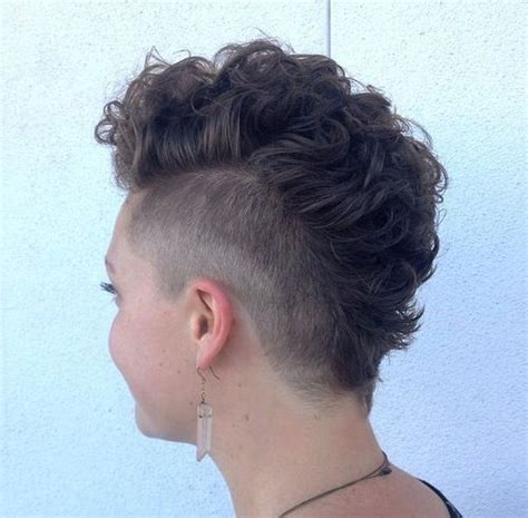 mohawk hairstyles ll eaving hair long at back of head 1000 ideas about mohawk hairstyles for women on pinterest