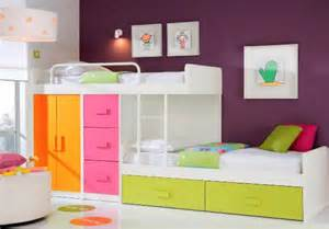 child to bunk beds