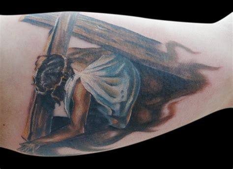 jesus carrying the cross tattoo jesus carrying cross client brought in the artwork i