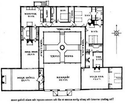 courtyard style house plans