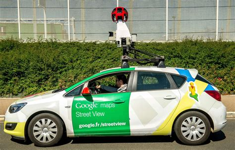 google images car watch the google street view car get pulled over