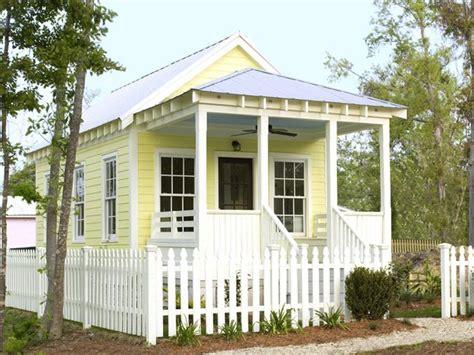 impressive tiny houses youve