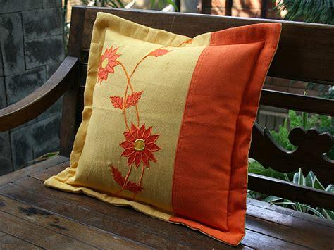 Sarung Bantal Menyusui Cherry Sarung Bantal Saja sarung bantal dan tips memilihnya sarung bantal kursi 123