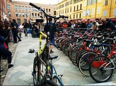 ufficio oggetti smarriti modena in piazza roma torna l asta delle biciclette rigenerate