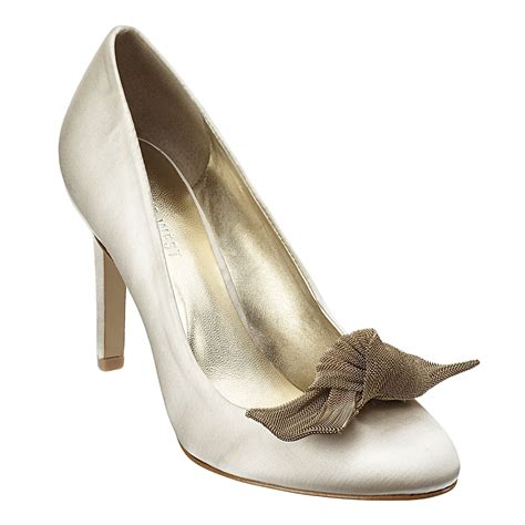 Bridal Pumps Ivory by Ivory Satin Closed Toe Bridal Pumps With Contrasting