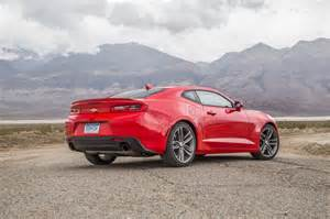 comparison 2016 chevrolet camaro rs vs 2016 ford mustang