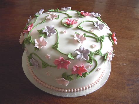 Flower Cake Decorations Ideas by Wedding Cake Decorating Ideas For A Memorable Event
