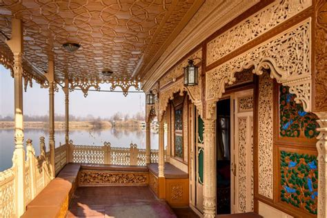 house boat kashmir enjoy life with luxury houseboat in srinagar naaz kashmir prlog
