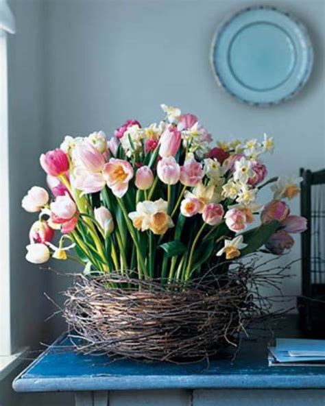 spring flower arrangement ideas eatatjacknjills com 35 simple spring flower arrangements table centerpieces