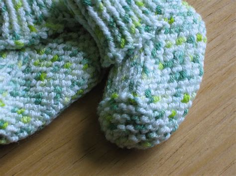 stay on booties knitting pattern seamless stay put booties pattern by fulton