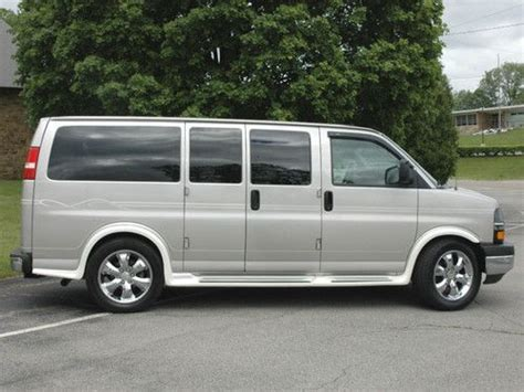2006 chevrolet express 2500 for sale in cincinnati oh stock 11338 buy used 2006 chevy express quot santa fe quot edition conversion van awd in butler pennsylvania