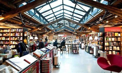 libreria ambasciatori bologna se la seduzione 232 di carta quot un su quattro nasce in