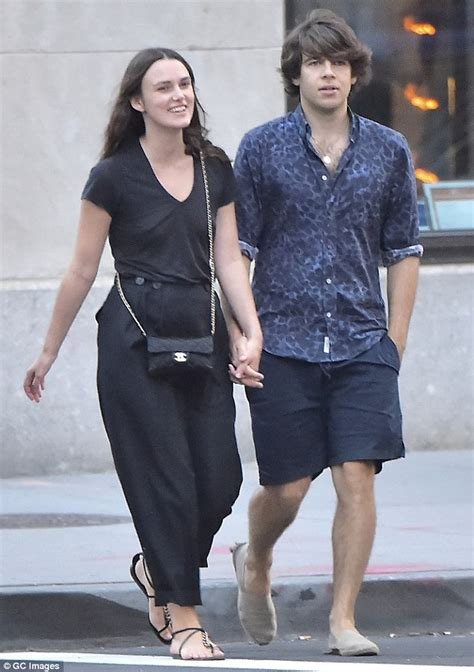 Not So Happy Keira Knightley And Boyfriend Rubert Friend by Keira Knightley Goes Make Up Free With Husband