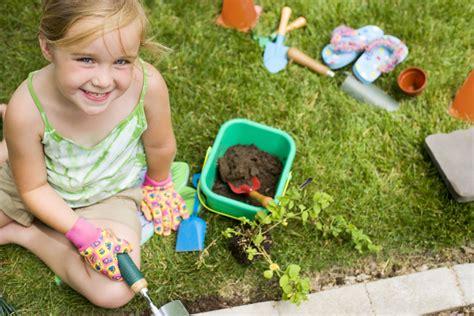 giardino bambini il giardino a misura di bambino come deve essere tutto