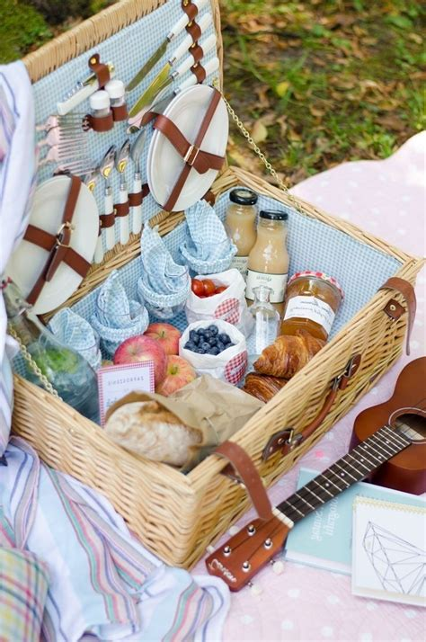 picnic basket ideas things to put in a picnic basket picnic basket picnics picnic picnic