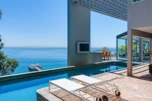 Outdoor Entertainment System - modern malibu beach house rooms with a view