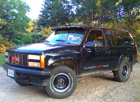how can i learn about cars 1993 gmc suburban 2500 electronic throttle control sonycrayfish 1993 gmc yukon specs photos modification info at cardomain