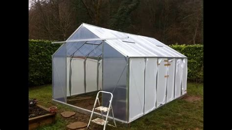 faire une serre de jardin construction d une serre au jardin potager