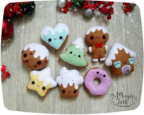 imagenes adorns navidad en miniatura m 225 s de 25 ideas incre 237 bles sobre adornos de navidad de fieltro en 193 rboles de navidad