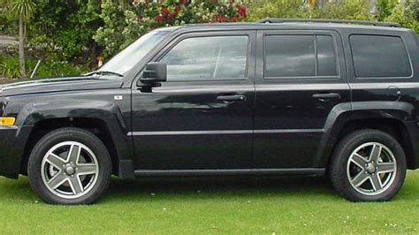 patriot jeep 2010 jeep patriot 2010 car review aa zealand