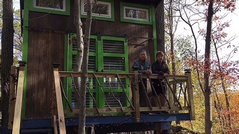 tiny tree house 11 year boy designs and builds a tiny tree house cabin