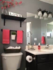 Bathroom Decor Ideas For Apartments by 25 Best Ideas About Apartment Bathroom Decorating On