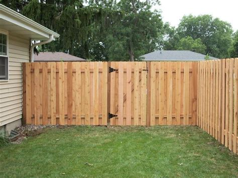 cheap backyard fence ideas inexpensive cedar privacy fence plans http lanewstalk