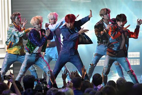 bts on ama watch bts s amazing quot dna quot performance at the amas idolwow