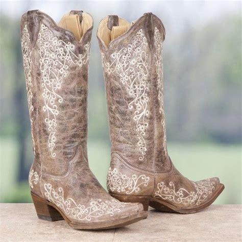 Best 20  Corral boots ideas on Pinterest   Cowboy boots