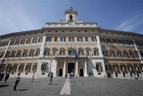 deputati live a camere sciolte la riduzione dei deputati ars live sicilia