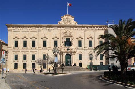 la castille auberges in valletta maltese history heritage