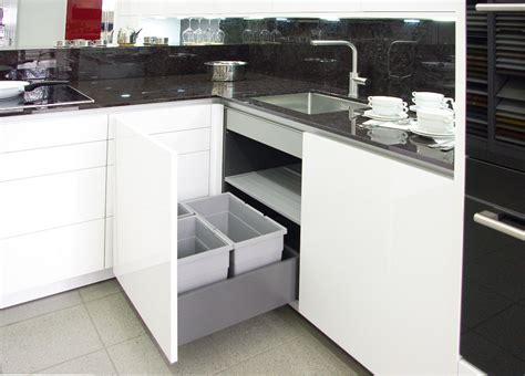 Landhausküchen Abverkauf by K 252 Che Wei 223 Hochglanz G 252 Nstig Dockarm