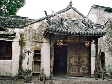 chinese houses inside old zhouzhuang houses